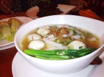 ho-hum fishball noodles